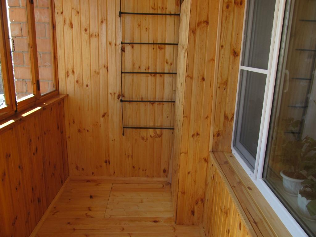 Балкон из лиственницы