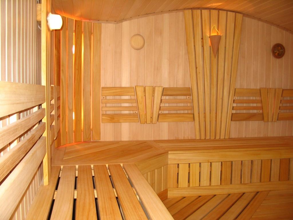Выбор материала для внутренней отделки бани: полезные советы